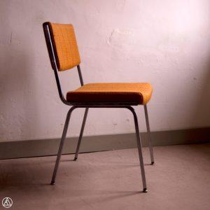 chaise orange 1